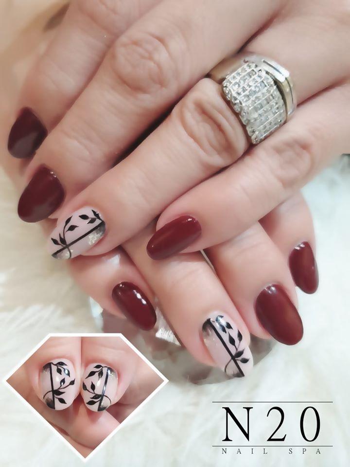 Solid Maroon Nails with Single Floral Nail - N20 Nail Spa