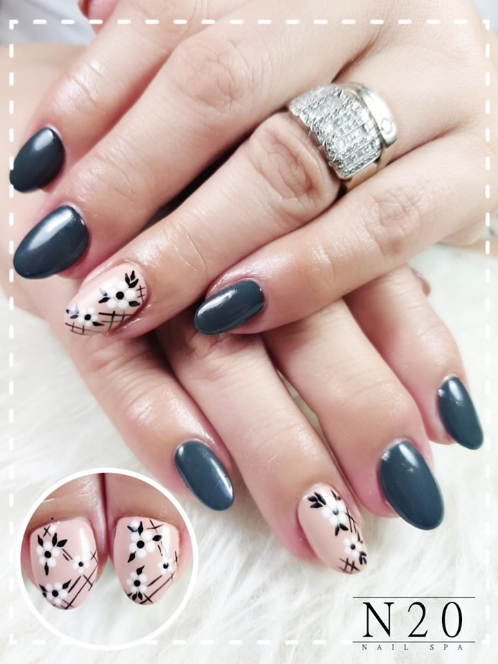 Solid Peacock-Blue Lacquer with Single Floral Nail Art - N20 Nail Spa