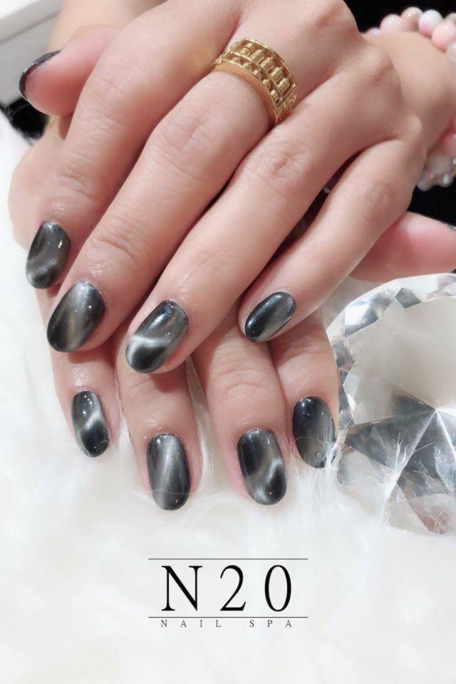 Grey Moonstone Magnetic Nail Art Design - N20 Nail Spa