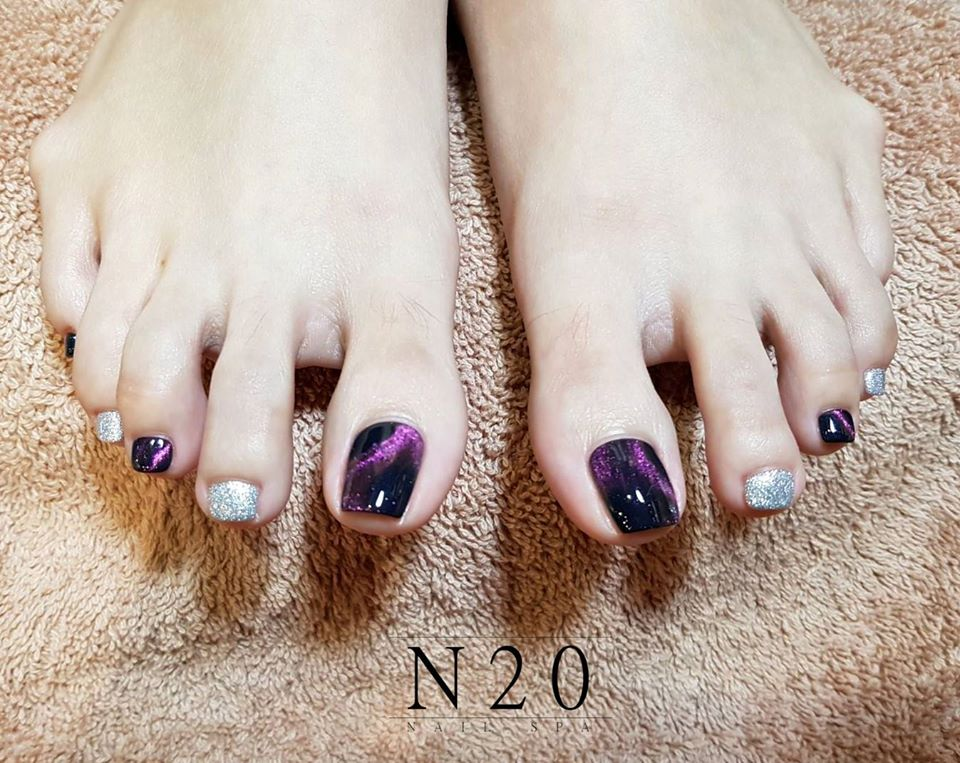 Two Colour Pedicure Nail Art - Classy, Magnetic Purple & Silver Glitter Alternates - N20 Nail Spa