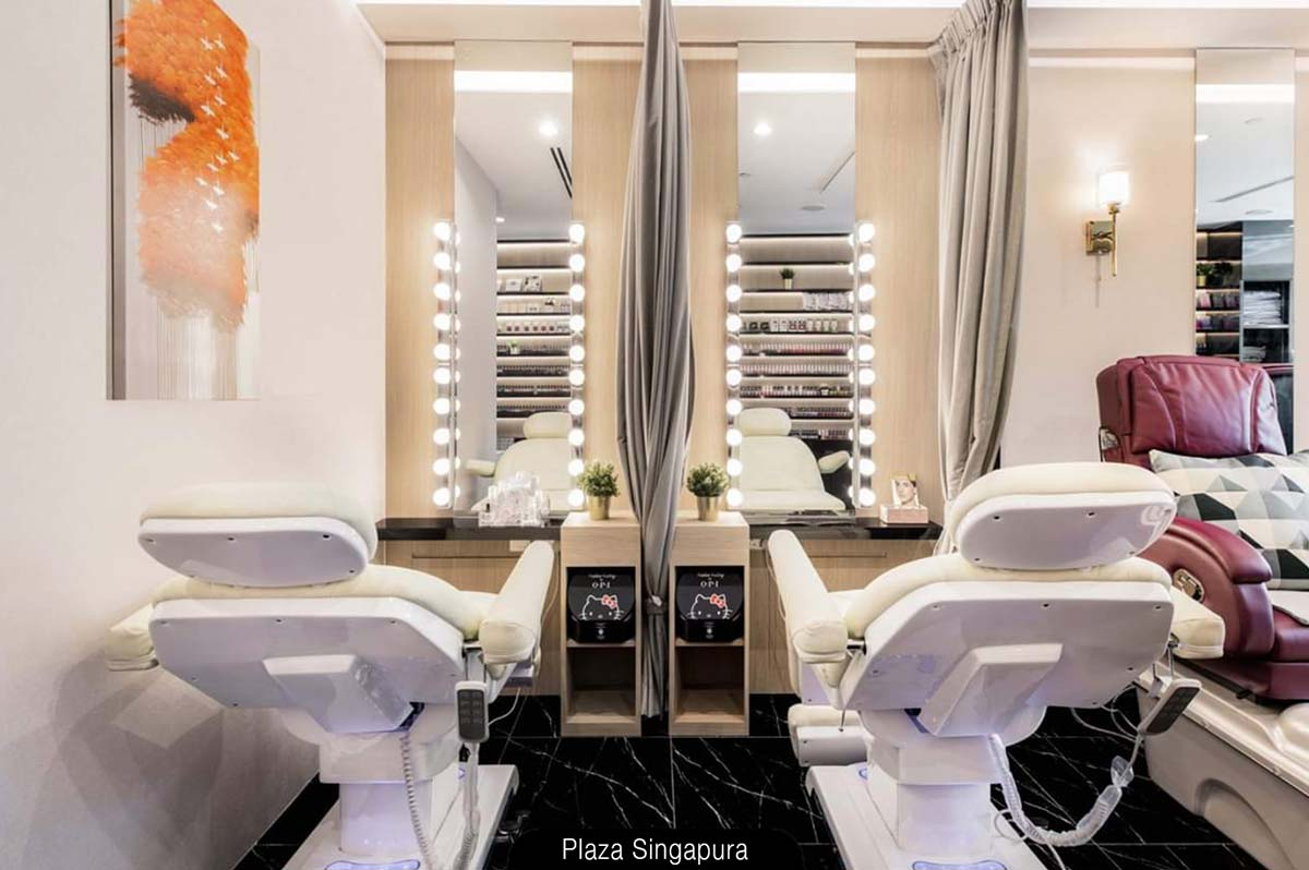 Luxurious N20 Eyelash salon at Plaza Singapura