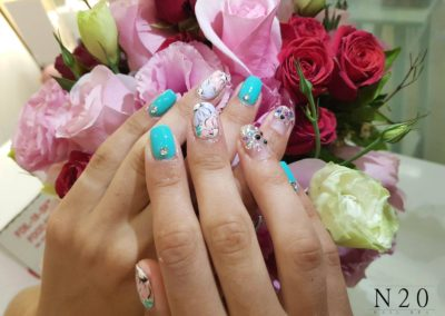 Extremely Sexy Nail Art: Blue Pink Flora Manicure
