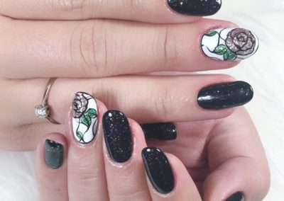 Bold Nail Art: Black Manicure, Glitters and Flora