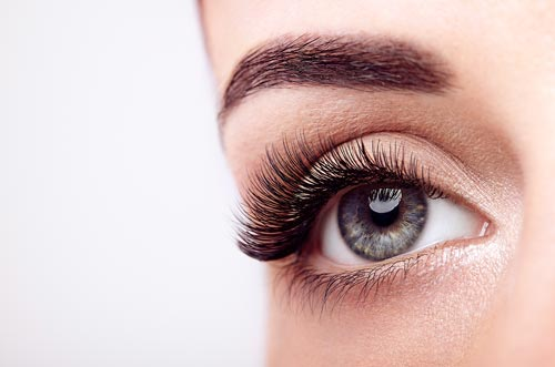 Beautiful eyelashes are a reality in N20 salon.